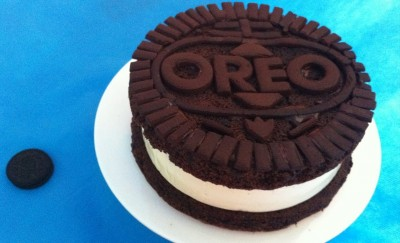 How to cook delicious oreo cheesecake in the shape of a giant oreo cookie step by step DIY tutorial instructions