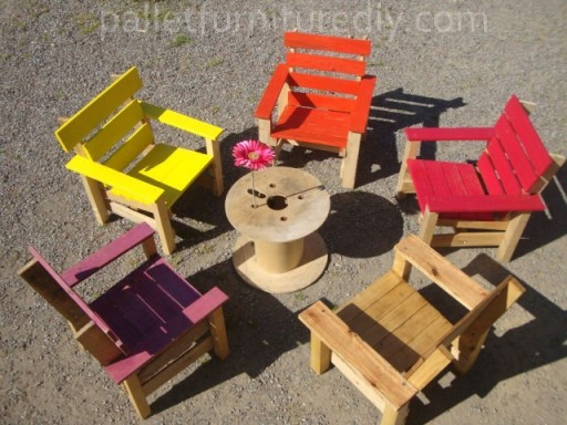 How to make kids armchairs with used pallets step by step DIY tutorial instructions