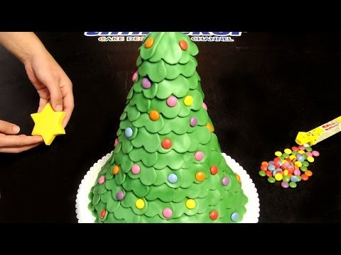 how to make Christmas tree fondant cake DIY tutorial step by step instructions