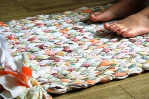 How to weave no sew custom floor rug step by step DIY tutorial instructions