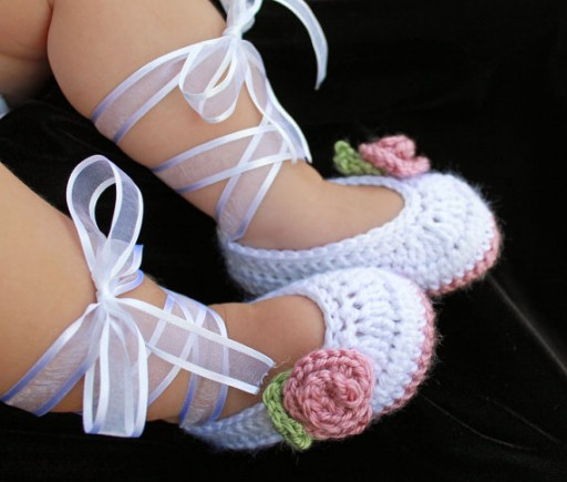 How to crochet cute DIY baby slippers step by step tutorial instructions