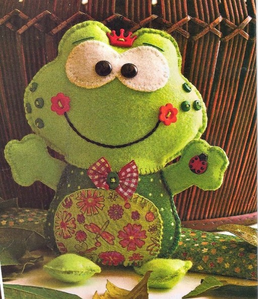 How to cute frog toy with printable patterns 1