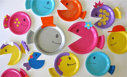 How to make DIY paper plate fish craft step by step tutorial instructions 4