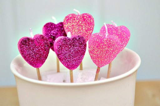 How to make pretty DIY heart candles step by step tutorial instructions