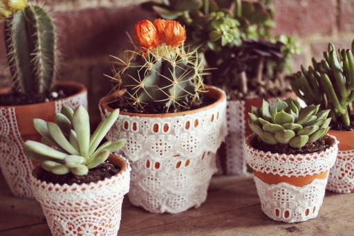 How to make pretty DIY lace flower pots step by step tutorial instructions