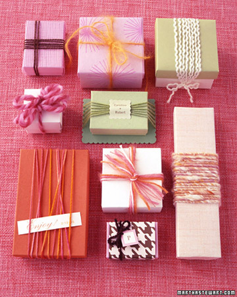 How to make pretty DIY yarn wrapped favor boxes step by step tutorial instructions