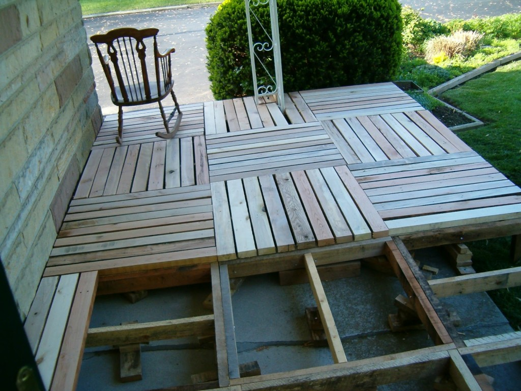 How to build DIY pallet porch