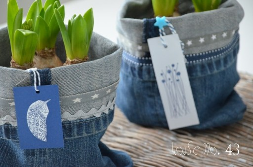 DIY Recycled Jeans Planter 1