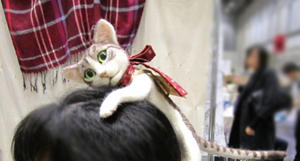 Forget Cat Ears - You Can Wear An Entire Kitten On Your Head With This Japanese Cat Headband 4