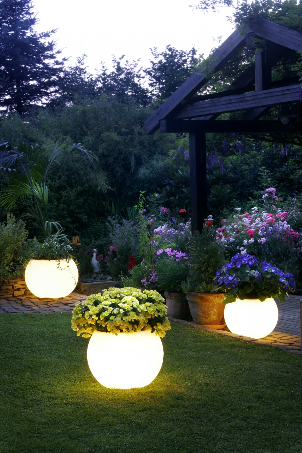 Glow In The Dark Planting Pots 1