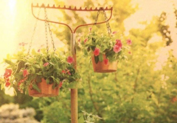 They Turned Old Garden Rakes Into THESE Amazing Things! Genius! 1