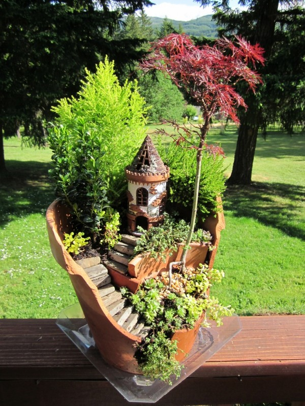 Garden Ideas Turn Broken Pots Into Fairy Gardens 2