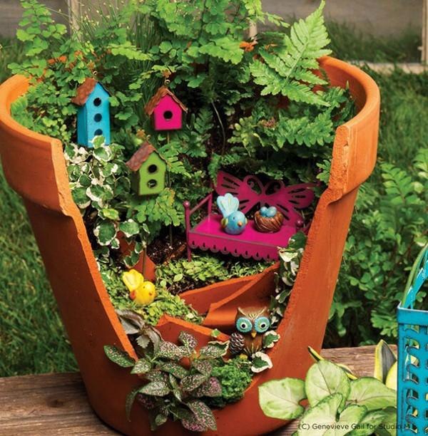 Garden Ideas Turn Broken Pots Into Fairy Gardens 4