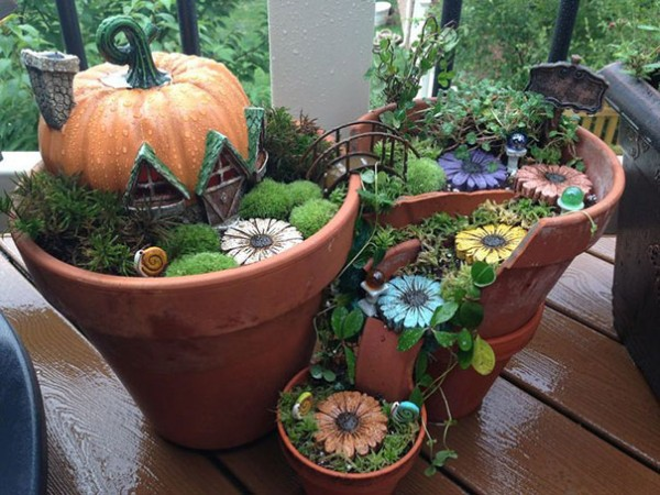 Garden Ideas Turn Broken Pots Into Fairy Gardens 6