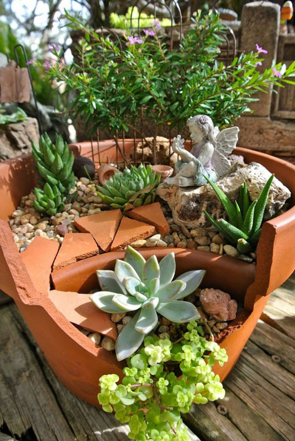 Garden Ideas Turn Broken Pots Into Fairy Gardens 8