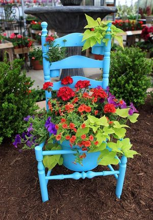 How To Turn Old Chairs Into Lovely Garden Planters 2