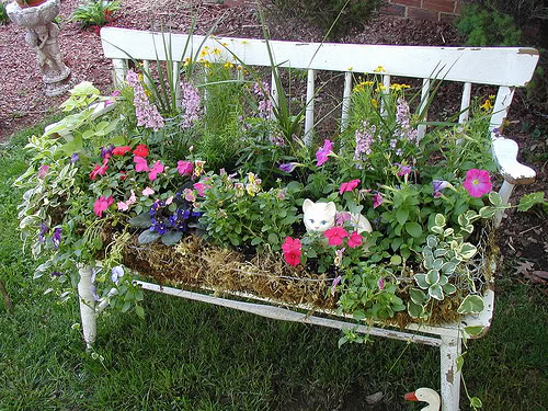 How To Turn Old Chairs Into Lovely Garden Planters 4