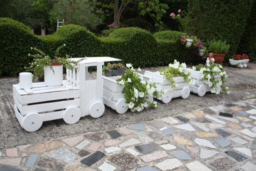 Train Planters Out Of Old Crates 3