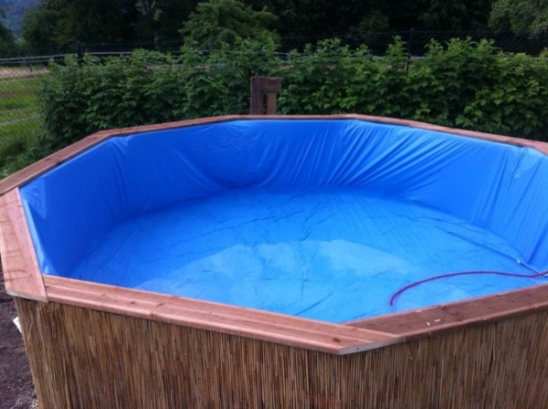 DIY Pallet Swimming Pool 6