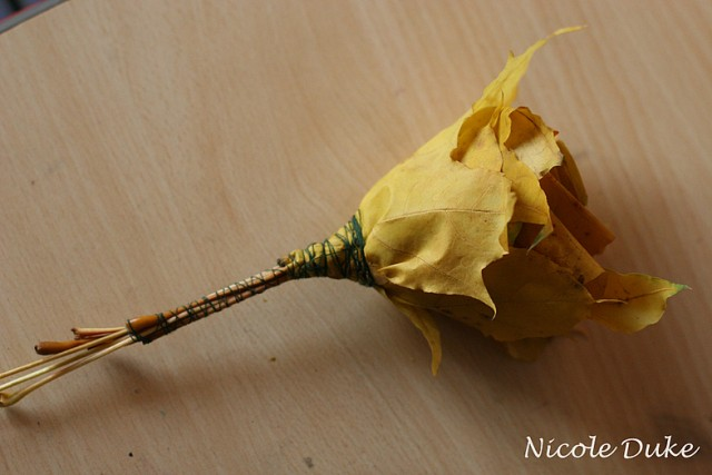 How To Make Maple Leaf Roses 6