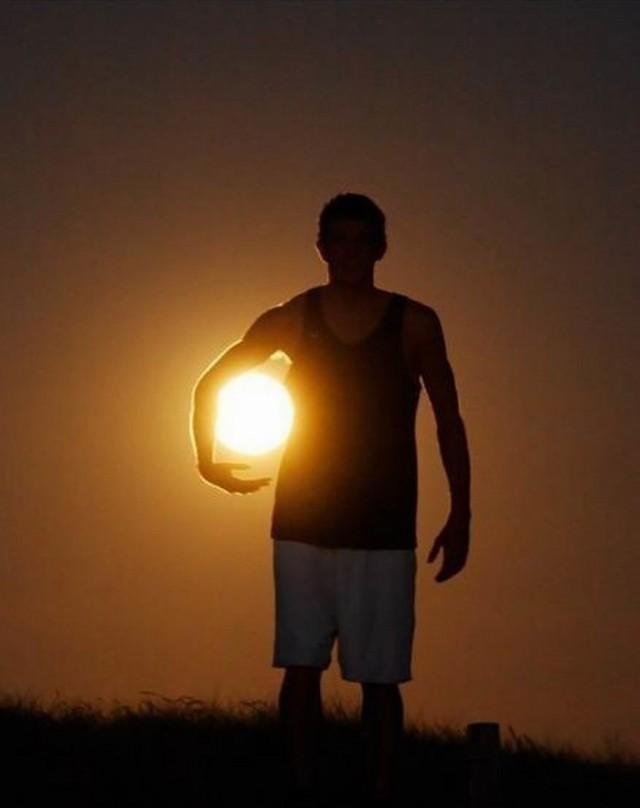 How To Take Creative Moon Shots 3