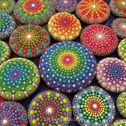 Spectacular Mandala Stones From Dotillism Artist Elspeth