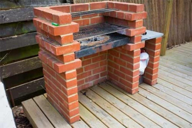 How To Build A Brick Barbecue 1