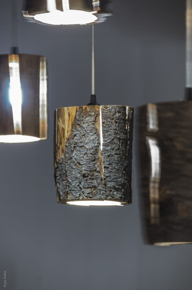 Cracked Log Lamp 2
