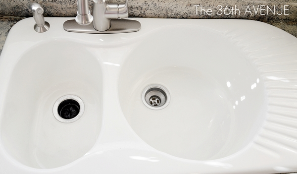 How To Clean A Porcelain Sink 1