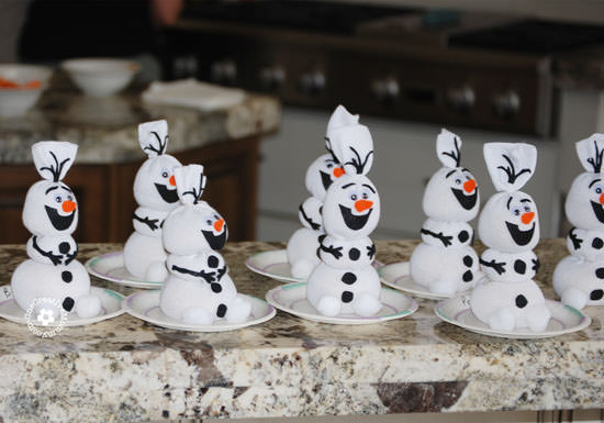 how-to-make-olaf-sock-snowman-2