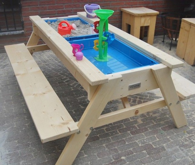how-to-build-a-sandbox-picnic-table-3