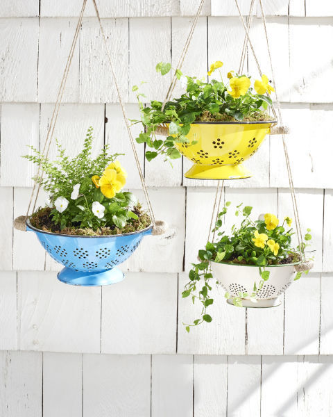 How To Make A Colander Hanging Basket | How To Instructions