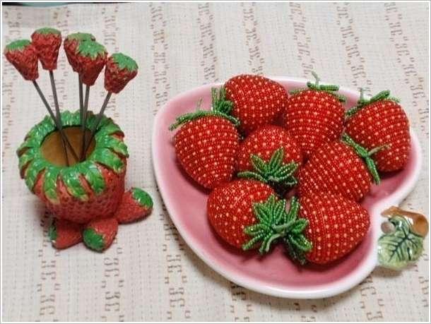 how-to-make-bead-strawberries