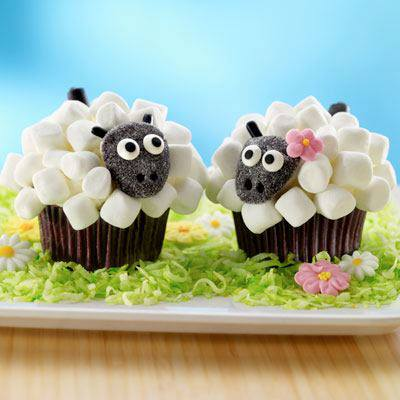 how-to-make-marshmallow-sheep-cupcakes-2